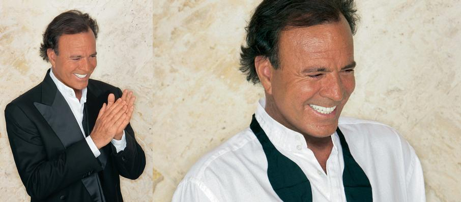 Julio Iglesias at The Chicago Theatre
